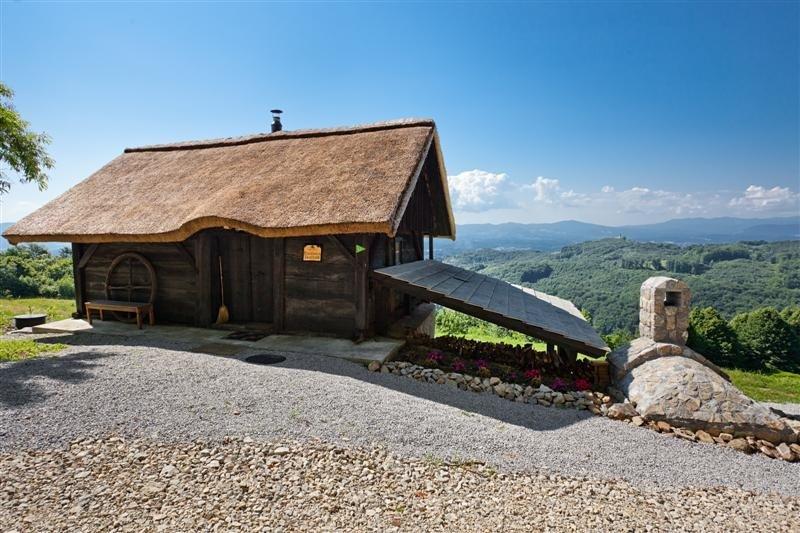 Cottage in Slovenia, Srednje Grčevje