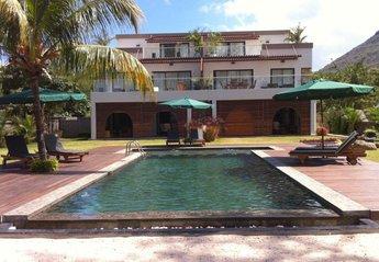 Apartment in Mauritius, Flic en Flac Beach: View from the Beach