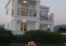 Romantic Boutique Villa in Lakithra called Gods Promise Villa