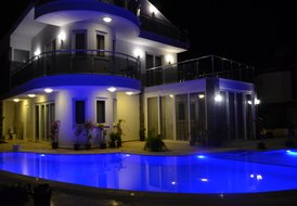 Dalyandrea Luxury 5 bedroom villa private pool and bar