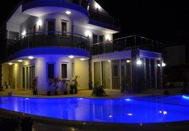 Dalyandrea Luxury 5 bedroom villa private pool and bar