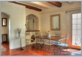 Maison Enserune - private pool, sleeps 8, sat TV, internet