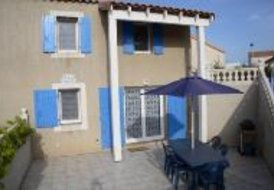 Villa Jessie - 2 bedrooms, shared pool, near beach