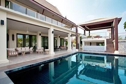 Villa in Thailand, Jomtien: Pool Area and Patio's