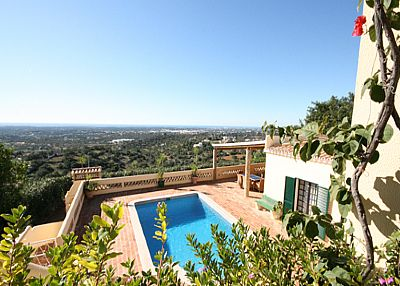 Villa in Portugal, Loule Area: Enjoy the warm, relaxing ambience of O Pomazinho