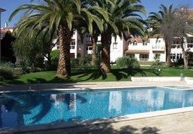 Colina Parque,Studio 2 persons,common pool,near Cascais center