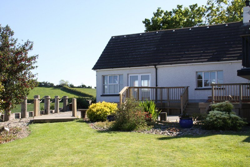Studio apartment in United Kingdom, Ballymorran: back garden