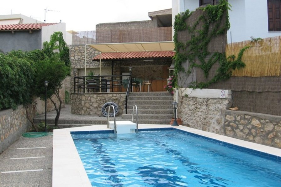 Owners abroad Villa with private pool, garden & BBQ at quiet village near city