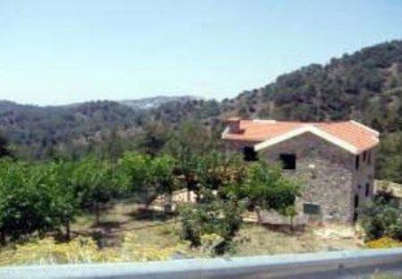 Villa in Pano Platres, Cyprus: The entrance to Moniatis