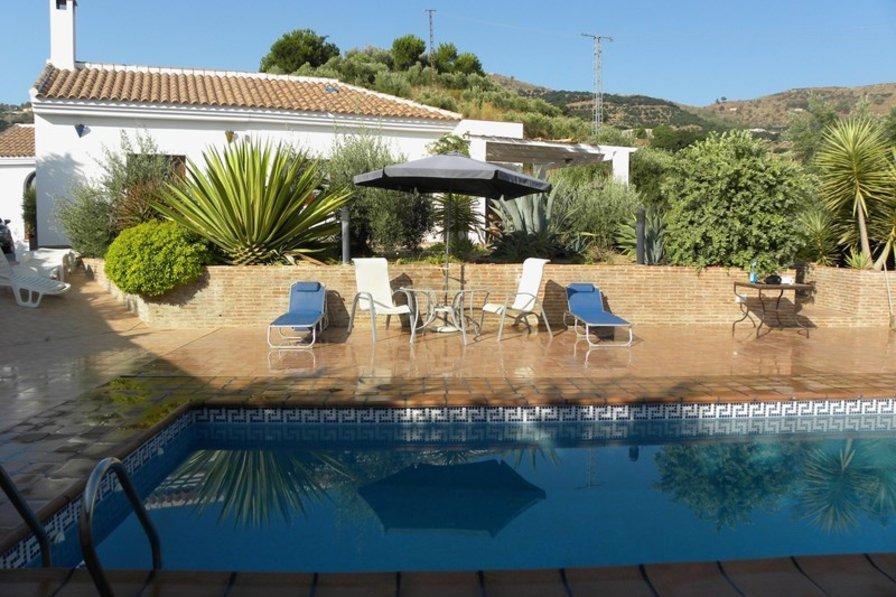 Villa in Spain, Almuñécar: View to villa from the Pool