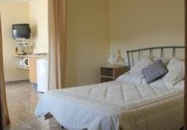 PINOSO. peaceful & tranquil valley (Apartment No 2) sleeps 2 to 3