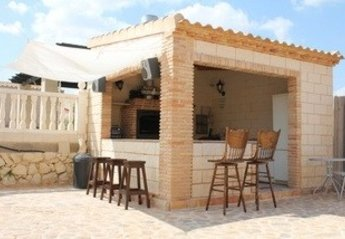 Apartment in Spain, Abanilla: bbq kitchen /bar  with music for those alfresco dining/drinking