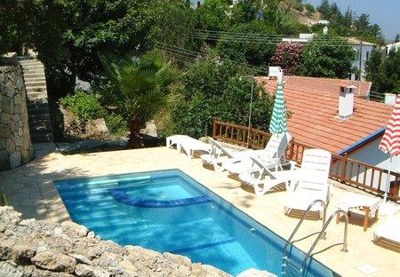 Cottage in Bellapais, Cyprus: pool terrace