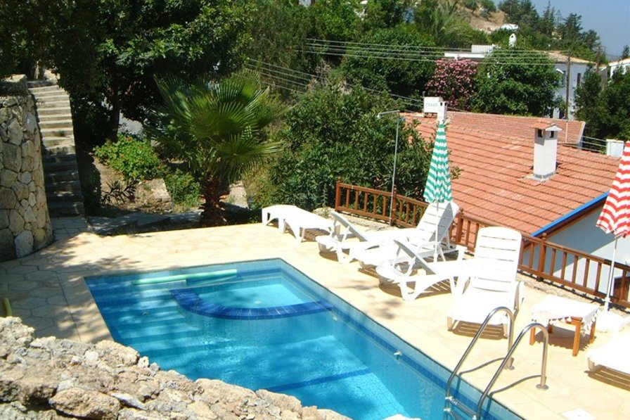 Cottage in Cyprus, Bellapais: pool terrace