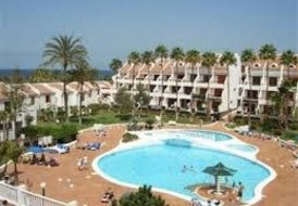2 bedroom Ground Floor Apartment in a seafront resort