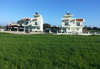 8 bedroom Villa for rent in Gennadi