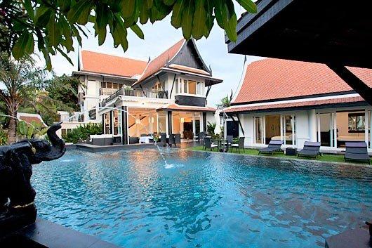 Owners abroad Pattaya Pool Villa Black Opal