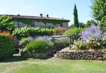 4 bedroom Cottage for rent in Poggibonsi