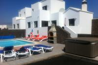 Luxury 4 Bed 3 Bath private heated swimming pool Villa.