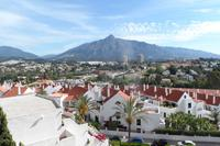 Designer apartment 10 mins walk above Puerto Banus
