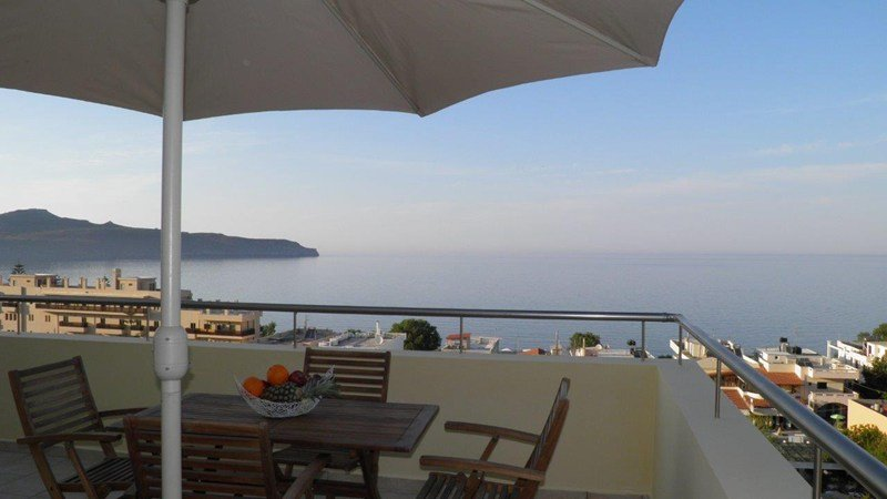 Villa in Greece, Agia Marina: Blue Villa II breathtaking view from the veranda