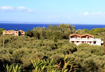 Apartment in Greece, Ano Vasilikos: A perfect destination for families, couples.