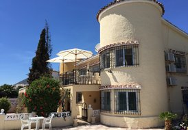 Family Villa with private pool - Sleeps 8