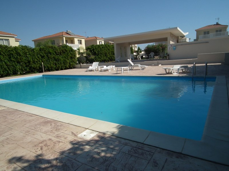 House in Cyprus, Pervolia: Communal pool