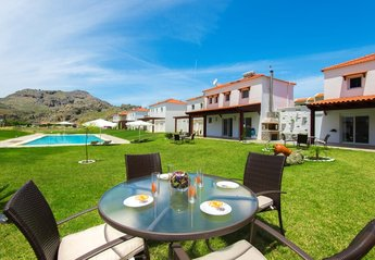 2 bedroom Villa for rent in Kolymbia