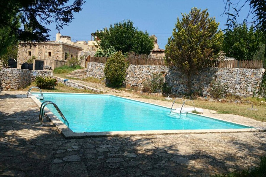 Villa to rent in chania crete with private pool 118692 for Villas with pools