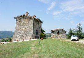 Palazzo Scagliae Castle Gubbio, Umbria, Sleeps 8, jacuzzi, villa
