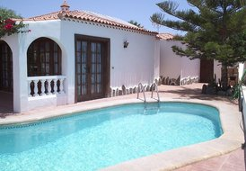 PEB7 La Quinta Villa - 2 bed, 1 bathroom with private pool
