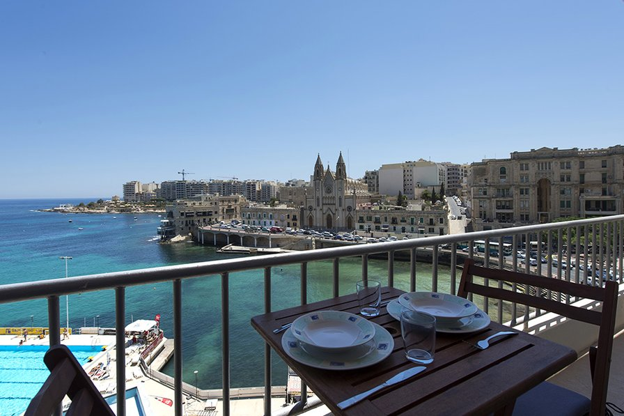Exceptional Views St Julians Seafront 4-bedroom Apartment