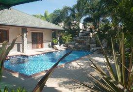 Villa in PAK NAM PRAN, Thailand: View of Pool and Water Fall