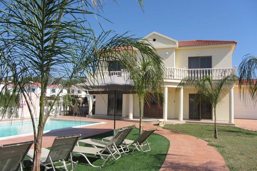 Villa in Cyprus, Nissi Beach