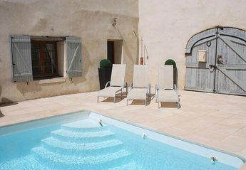 Villa in France, Pouzolles