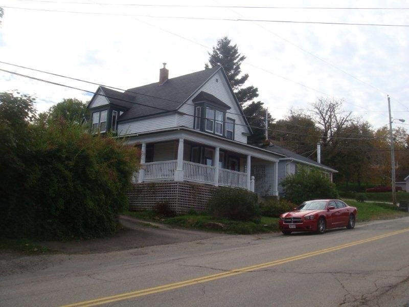 Village house in Canada, Nova Scotia: The Fisher House on Carleton St Digby