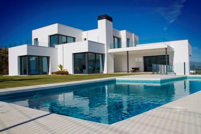 Villa in Spain, Alcaidesa: View of villa