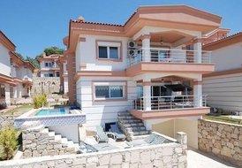 Villa Marina: Luxe 4 bedroom - 3 bathroom villa with private pool