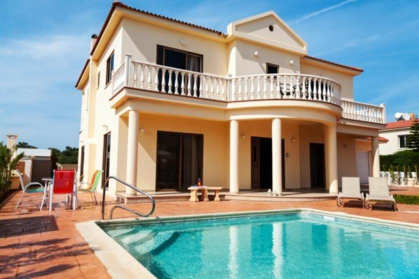 Villa To Rent In Nissi Beach  Cyprus With Private Pool