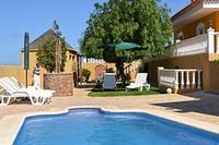 Villa in Spain, El Medano: Stunning pool