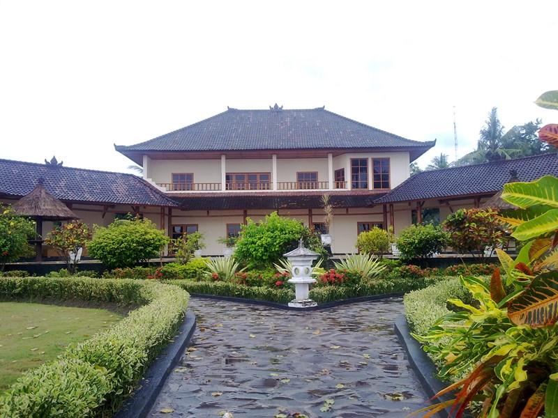 Villa in Indonesia, Lovina: Beach View of Villa Delfino