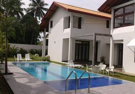 HikkaHome 5A/C B/R Luxury villa with private swimming pool
