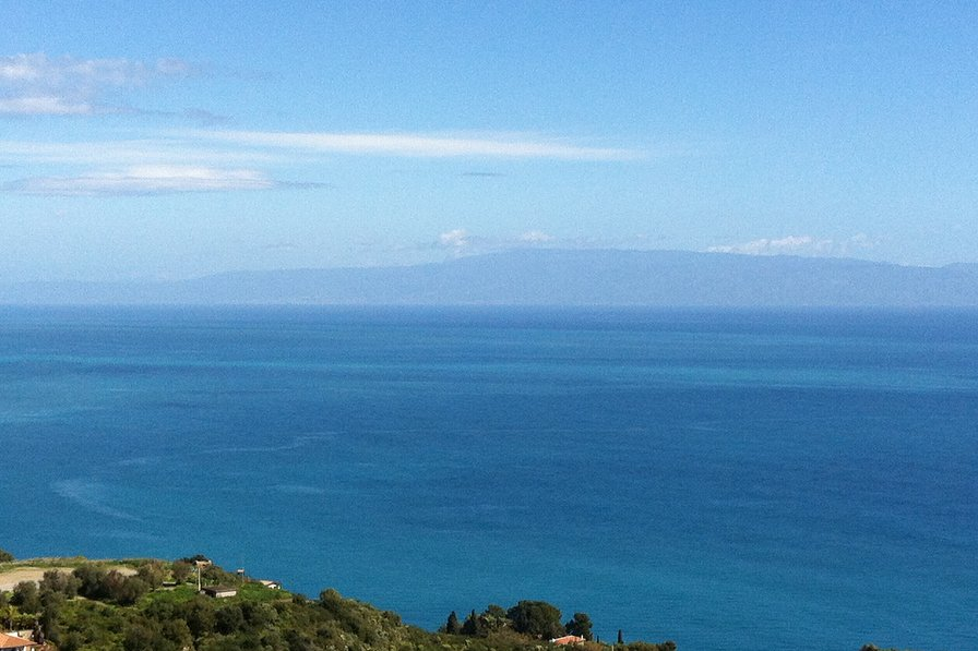 Owners abroad Apartment city center Taormina, roof terrace stunning views, pool