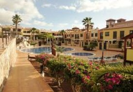 3 bedroom Townhouse 2nd Line to the sea