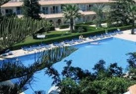 Zavos Palm Beach Complex - Limassol Tourist Area