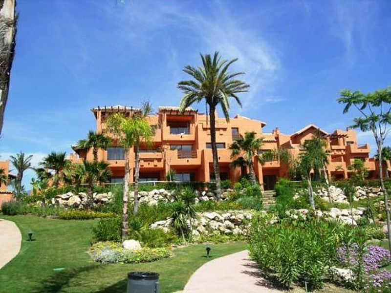Penthouse apartment in Spain, Estepona: the complex