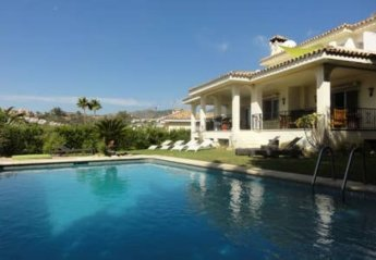 5 bedroom Villa for rent in Marbella