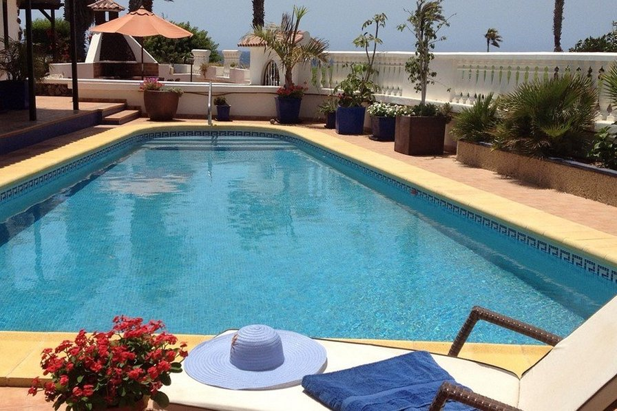 Luxury 3 bedroom Villa with pool Amarilla Golf