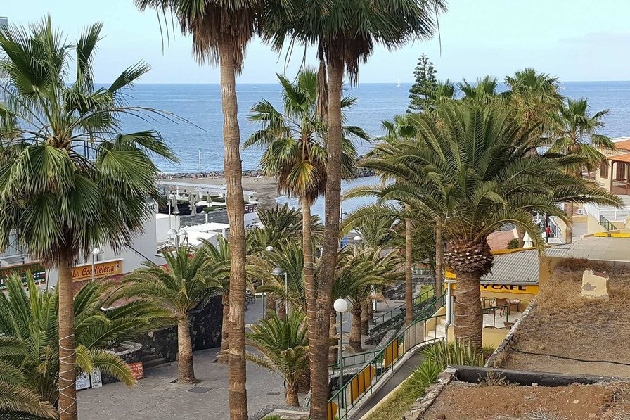 2 Bedroom apartment near the seafront in Playa De Las Americas